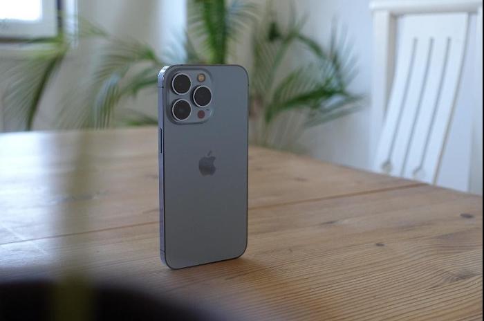 Wie findet man die besten Schutzfolien für das iPhone 13 / iPhone 13 Pro